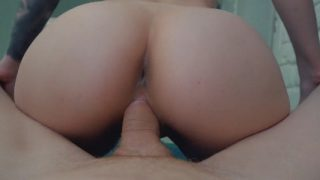 Camgirl likes to suck cock before fucking